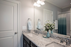 47_Bathroom_2_4812_Rampart_Street